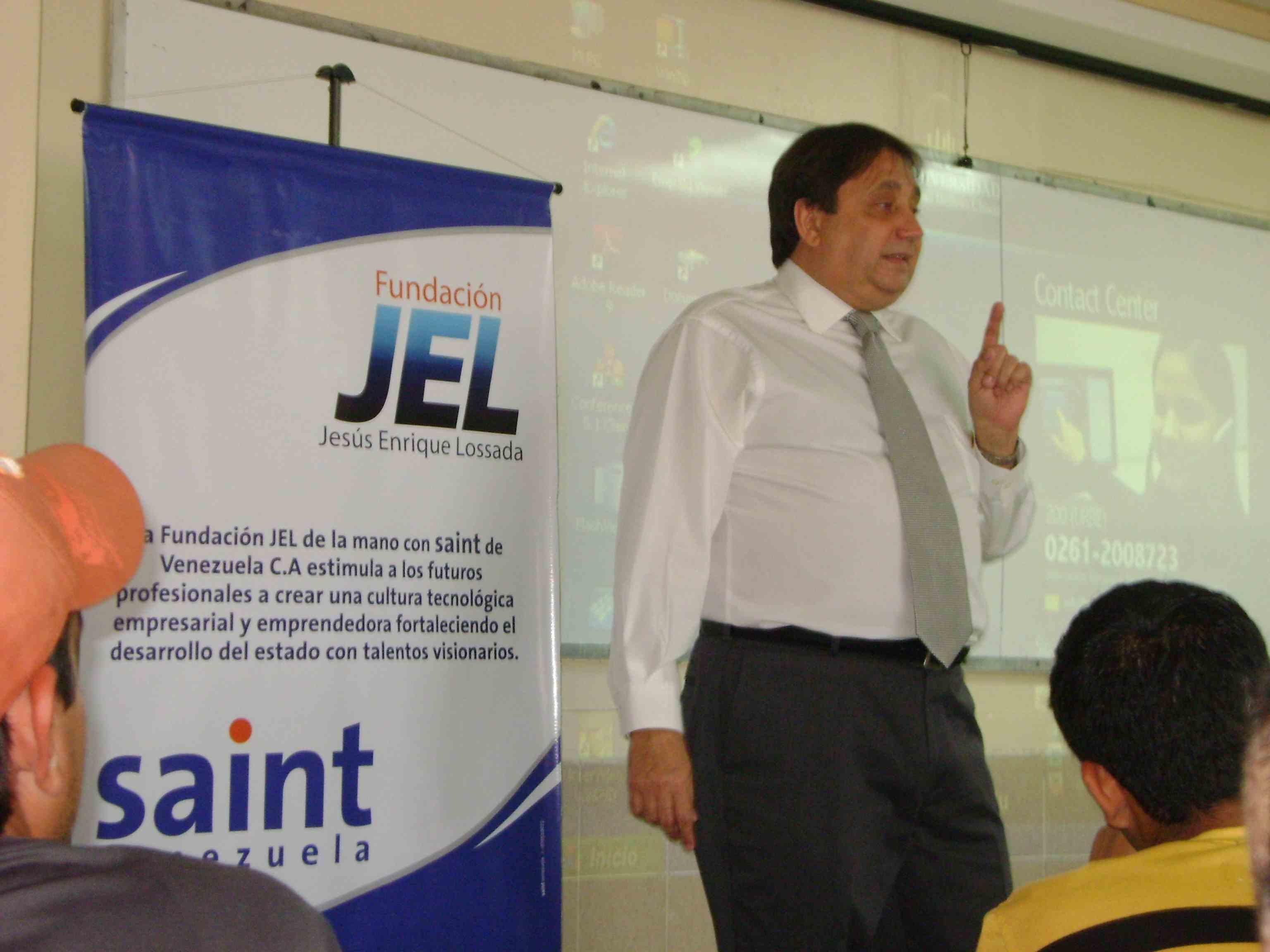 """Charla de """"Derechos Empresariales en la Ley Orgánica del Trabajo Venezolana"""" dicta saint en la URBE"""