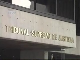 Venezuela: Sentencia sala constitucional. Revocación sentencia sobre salario normal.