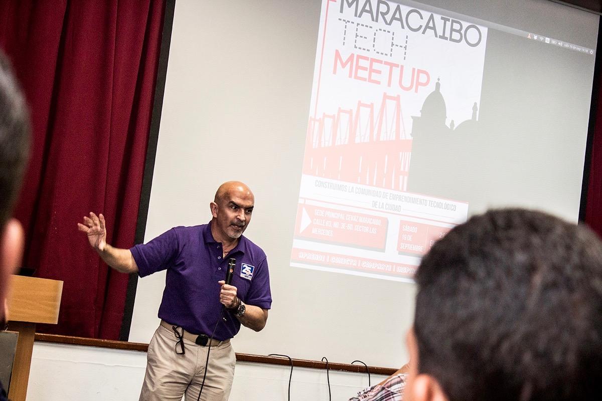 Dictamos charla de Emprendimiento en el Centro Venezolano Americano del Zulia