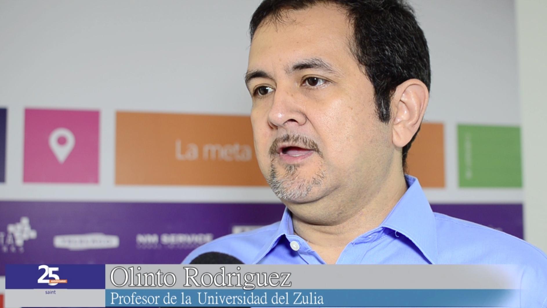 Profesor Olinto Rodríguez, jefe de cátedra de bases de datos de La Universidad del Zulia. Opina sobre el desarrollo de saint