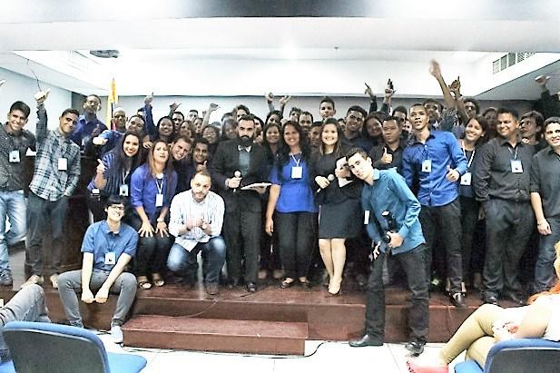 Saint imparte conferencia de emprendimiento en UCAB Guayana y UNEG